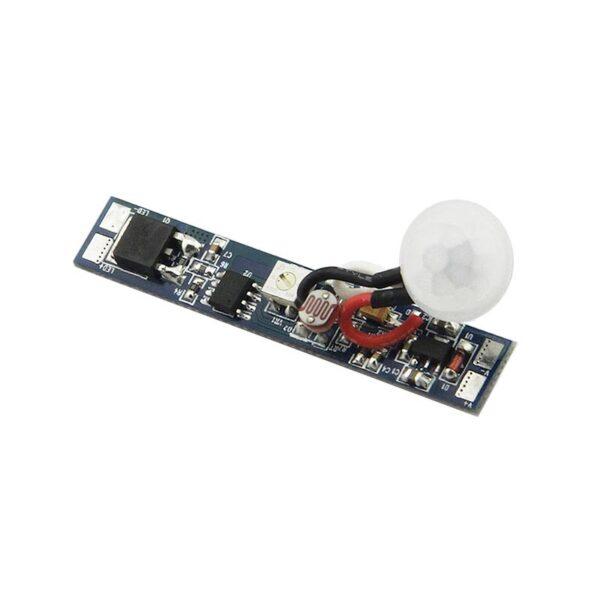 Sensor Crepuscular y Movimiento RAIL